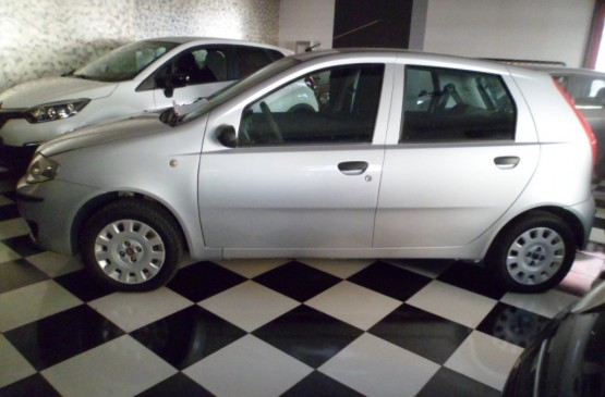 Fiat PUNTO CLASSIC 1.3 D CLASSIC ANNO 2009 su LeonCar