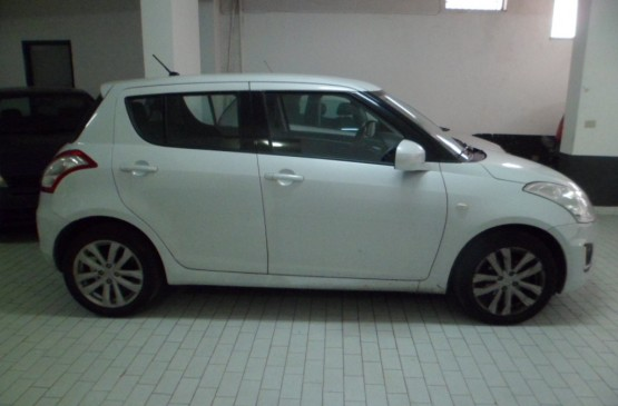 Suzuki SWIFT 1.2 BENZ. ANNO 2015 su LeonCar