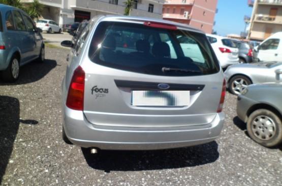 Ford FOCUS FORD FOCUS D  ANNO 2001 su LeonCar