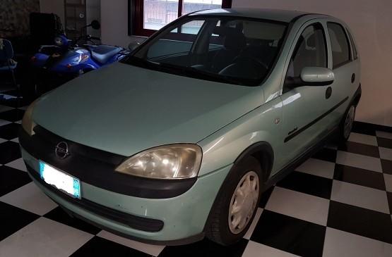 Opel CORSA 1.2 C/AUT. BENZ ANNO 2001 su LeonCar