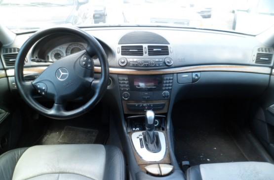 Mercedes Benz CLASSE E MERCEDES E270 CDI AVANTGARDE ANNO 2002 su LeonCar