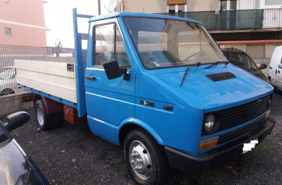 Fiat IVECO 35  su LeonCar